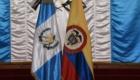 Condecoración a Embajador de Colombia 1