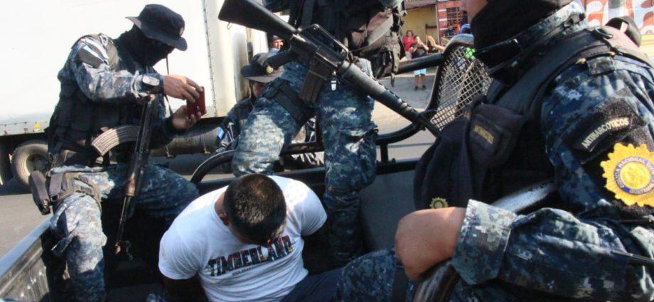 PNC capturado con 35 kilos de cocaína