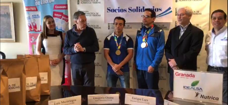 Cámara guatemalteca de Alimentos y Bebidas premia a deportistas