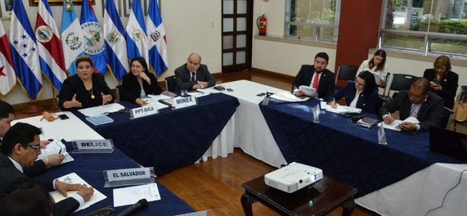 SICA jefes de Estado y de Gobierno en junio