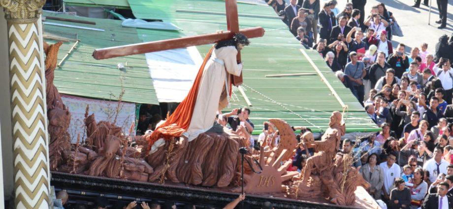 cortejo procesional de Jesús Nazareno de la Justicia del Templo Nuestra Señora de los Remedios El Calvario