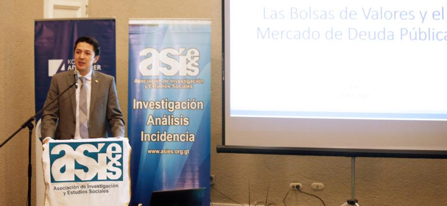 Ministro de Finanzas Públicas, Víctor Martínez