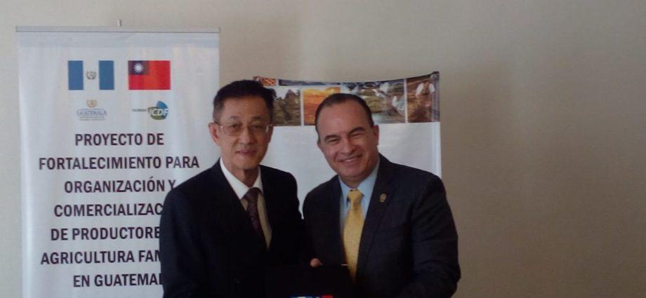 Firma de Proyecto de Fortalecimiento para Organización y Comercializacion de Productores Agricolas