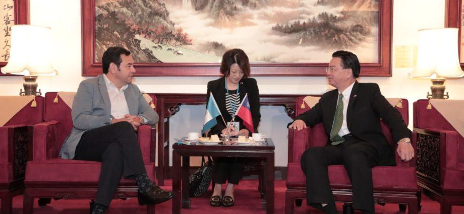 Presidente Jimmy Morales arriba a la República de China (Taiwán)