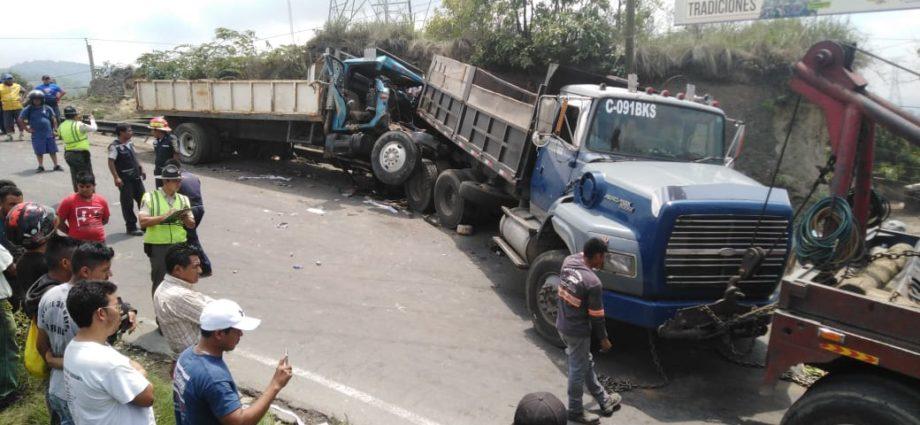 accidente de camiones en ruta milpas altas a barcenas villa nueva