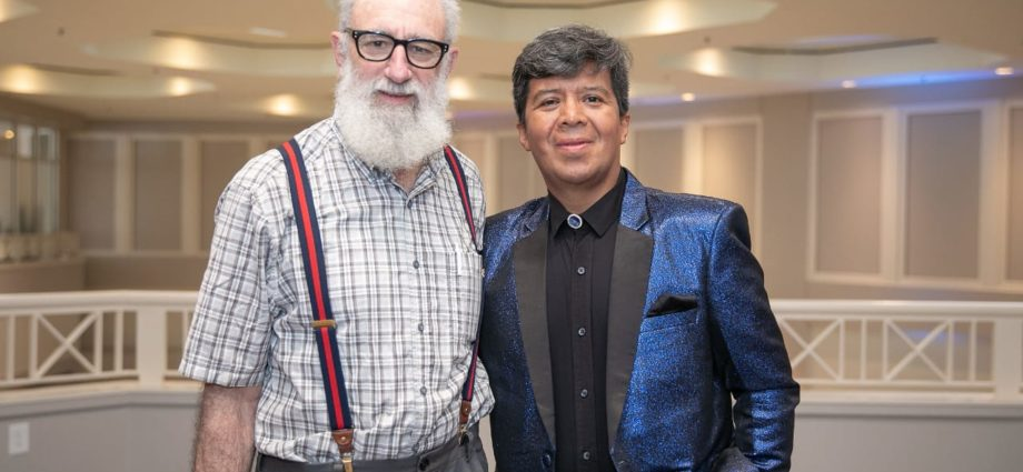 Mago Luis Karías se presentó en congreso de Atlanta