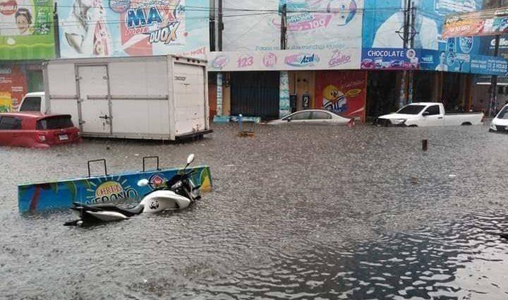 Calles inundadas en la ciudad de guatemala