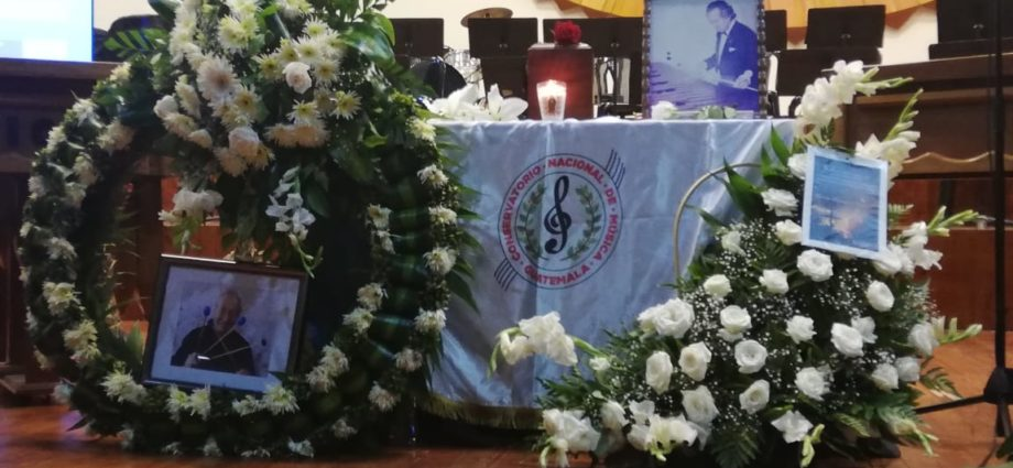 Homenaje a Maestro Robelio Méndez