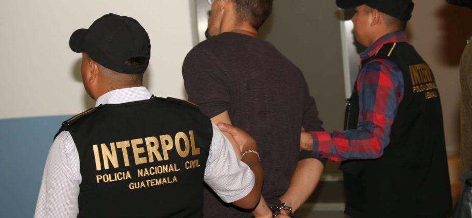 orden de captura para hermanos brasileños