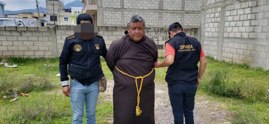 falso monje capturado en quetzaltenango