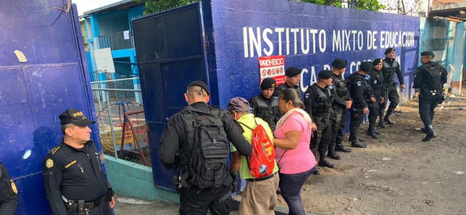 PNC brinda seguridad en elecciones de guatemala