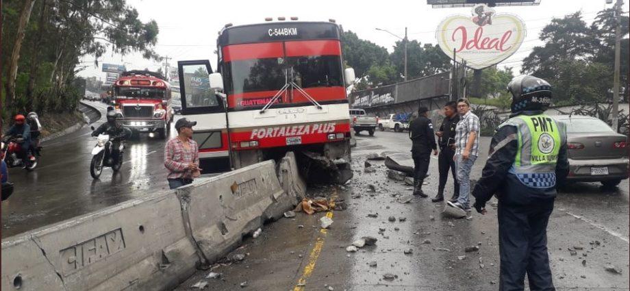 Accidente de bus pulman en bajada de villalobos