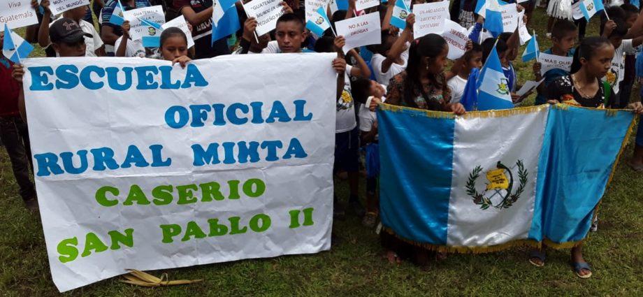 Festejan la independencia en El Estor Izabal