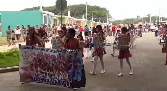 Festejan la independencia en proyecto la Dignidad