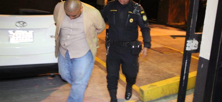captura de falso subcomisario de la PNC