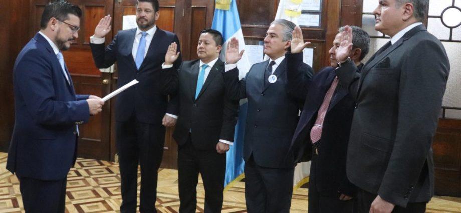 juramentan a viceministros del CIV
